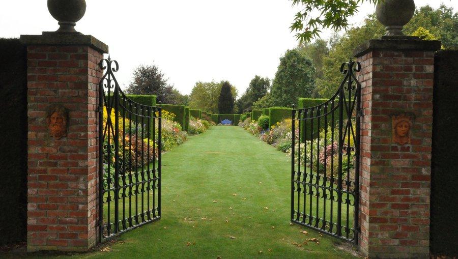 Gates to Trotts Garden - Ashburton