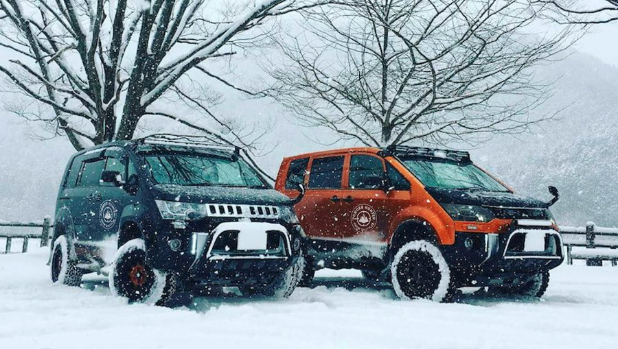 Powder Hunter Snow Shuttles