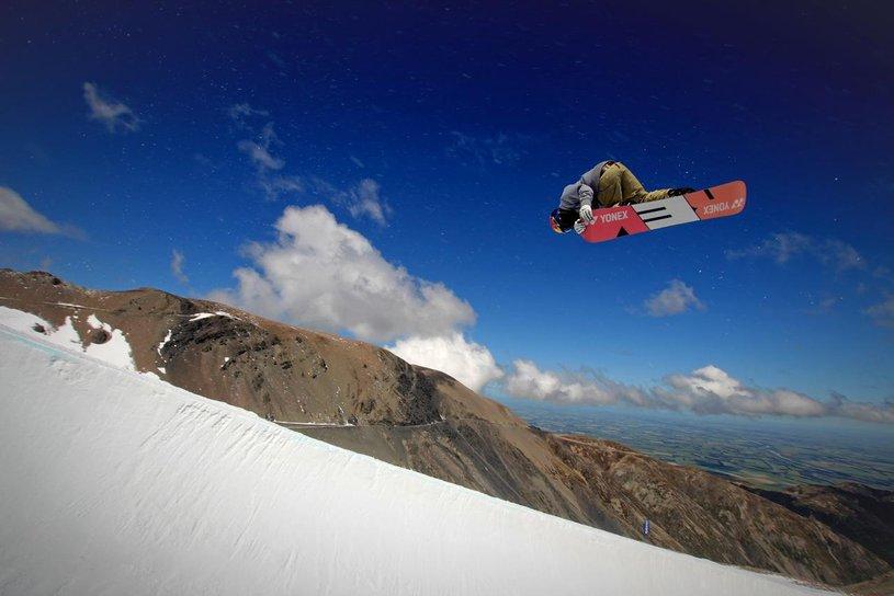 Snowboarding - Mt Hutt Skifield
